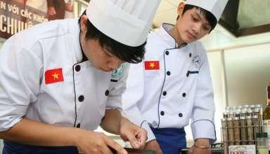 Những vất vả ít ai biết về nghề đầu bếp