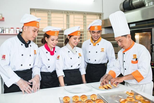 Tuyển đầu bếp nấu ăn cho nhà hàng Việt Nam